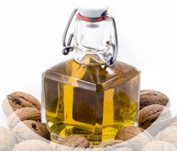 Полезные качества и применение масла из плодов грецкого ореха